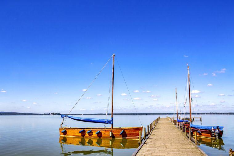 Das Steinhuder Meer ist mit einer Fläche von 29,1 Quadratkilometern der größte See Nordwestdeutschlands.