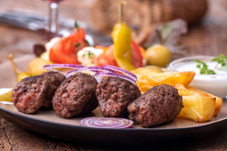 In der Türkei kommt nicht selten eine große Portion Fleisch auf den Tisch.
