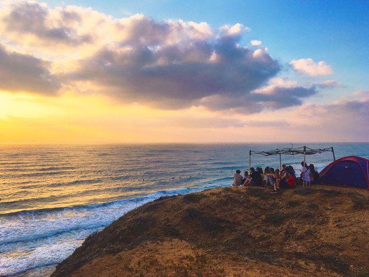 Der beliebte Wanderweg führte das Paar auch an der malerischen Küste entlang.