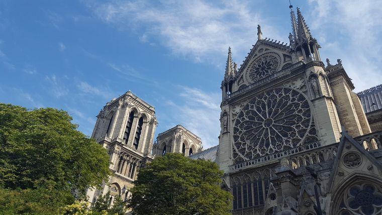 Tina Schulze aus Rostock hat uns dieses tolle Bild von der Notre-Dame geschickt.