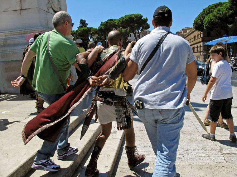Auf ein Urlaubsfoto mit einem Gladiator wirst du verzichten müssen.