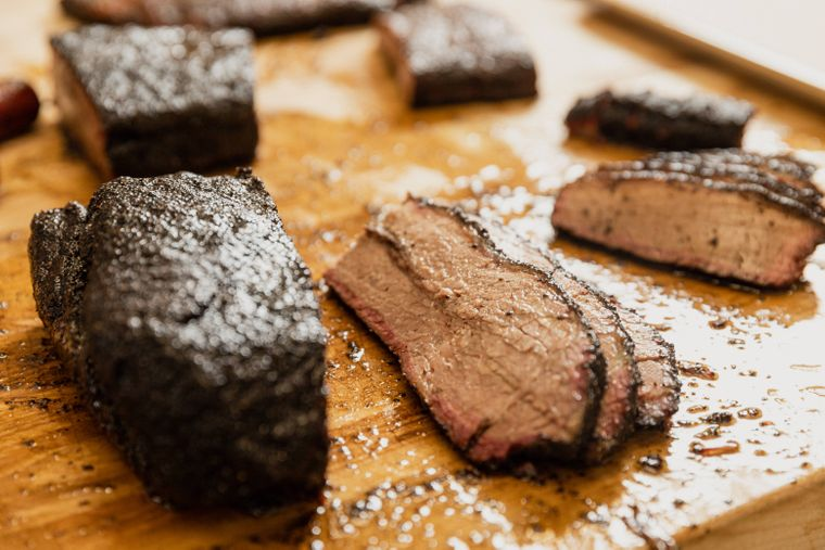 Rauchig, saftig und zart: Die geräucherte Rinderbrust darf bei keinem amerikanischen Barbecue fehlen.