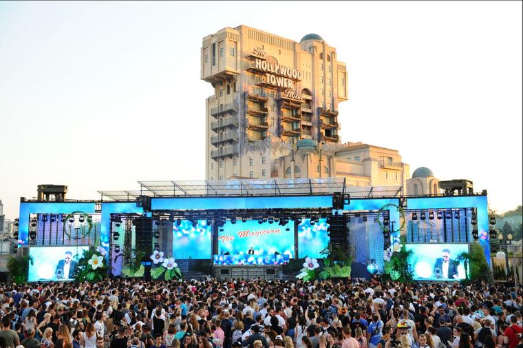 Der Tower of Terror im Disneyland Paris wird einmal jährlich zur Kulisse für eine Electroland-Party.