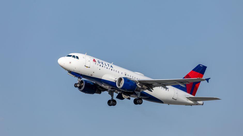 Ein Flugzeug von Delta Airlines.
