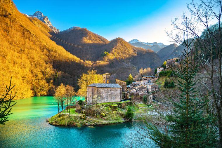 Die Isola Santa ist ein echter Hingucker im Garfagnana-Gebirge.