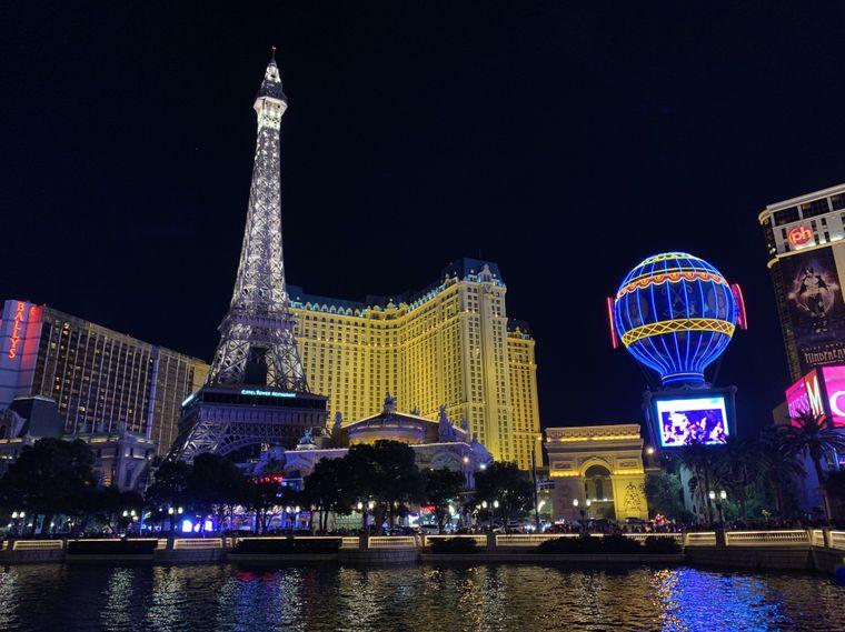 Das Pariser Wahrzeichen in Las Vegas am Strip.