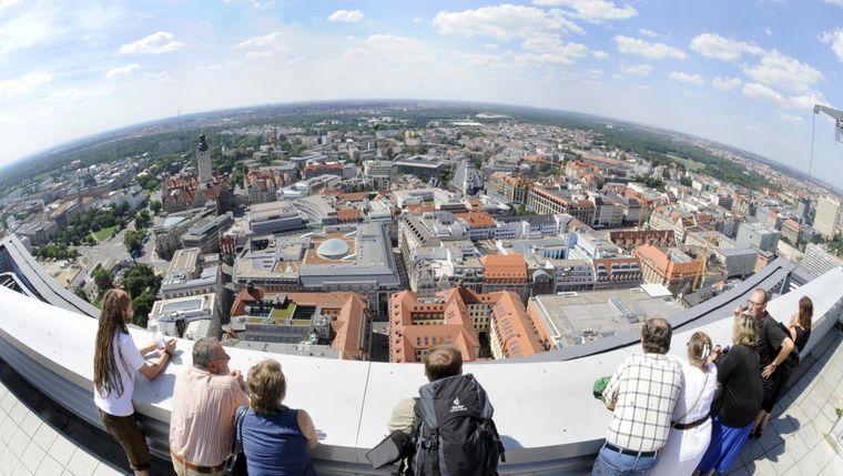 Das City-Hochhaus bietet die höchste Aussichtsplattform Leipzigs und einen Blick über die gesamte Stadt.