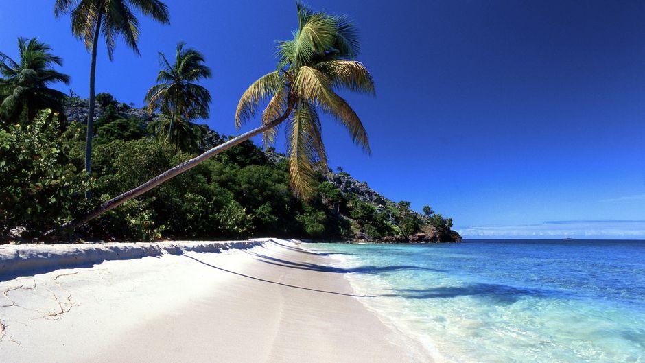 Nein, das ist keine Fotomontage – so sehen die Strände auf der Karibikinsel Antigua wirklich aus.