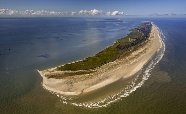 Auf der Ostseite der Insel Juist, Kalfamer genannt, kannst du mit etwas Glück Seehunde und Bernstein entdecken.