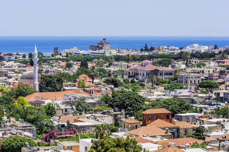Blick auf Rhodos-Stadt mit der Süleyman-Moschee.