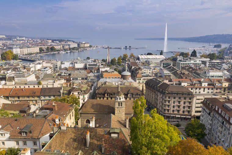 Blick von der Kathedrale St. Peter über Genf Richtung See.