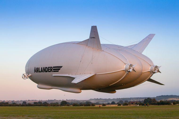 Das Luftschiff, das Reisende künftig zum Nordpol bringen soll, misst knapp 100 Meter.