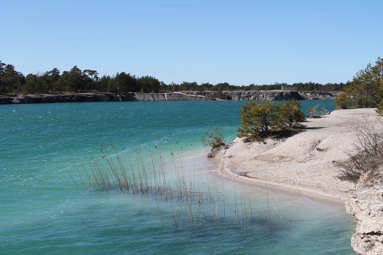 """Die """"blaue Lagune"""" auf Gotland ist ein alter Kalksteinbruch."""