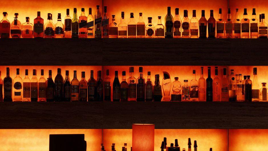 Einige Bars weltweit öffnen in der Corona-Krise virtuell für Besucher. (Symbolbild)