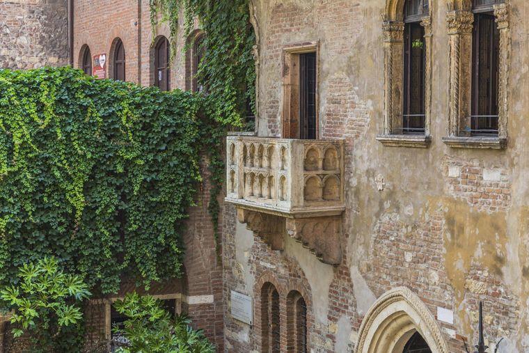 Italien, Verona Balkon am Haus der Julia, Casa di Giulietta, Via Cappello, Verona, Venetien, Italien, Europa.