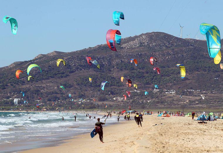 Playa de los Lances in Tarifa: Hotspot der Kitesurfer und -surferinnen.