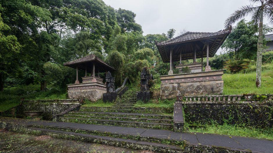Blick auf das Geister-Hotel in Bali, das von Fotograf Romain Veillon entdeckt wurde.