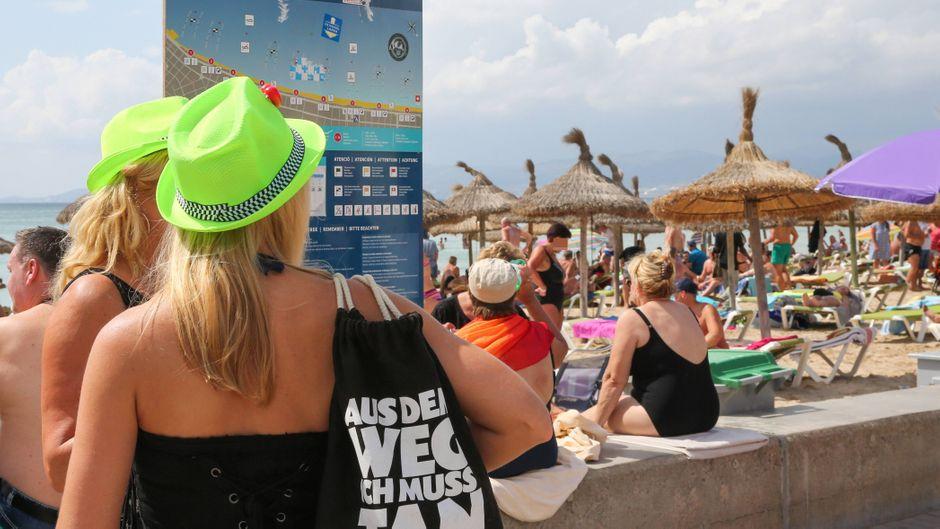 Platja de Palma: Hier verbringen im Sommer Tausende Menschen ihren Urlaub.