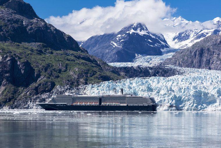 Der 34 Kilometer lange Margerie-Gletscher gehört zur Route von Holland America Line.