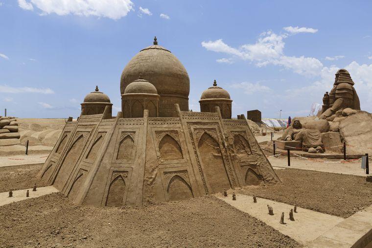 Im Sandland Antalya findest du zahlreiche Sandskulpturen.