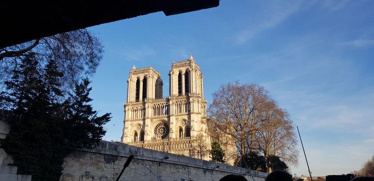 Notre-Dame von der Seine aus: Patricia Leikopf aus Marlow erinnert sich gern an ihren Paris-Besuch zurück und hat uns dieses schöne Foto geschickt.