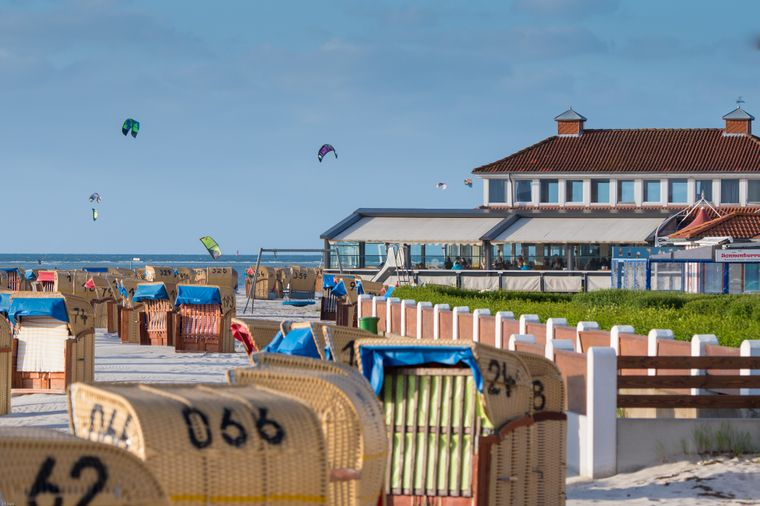 """Das """"Buena Vista"""" ist eine Tapasbar am Strand mit Blick auf die Kieler Förde."""