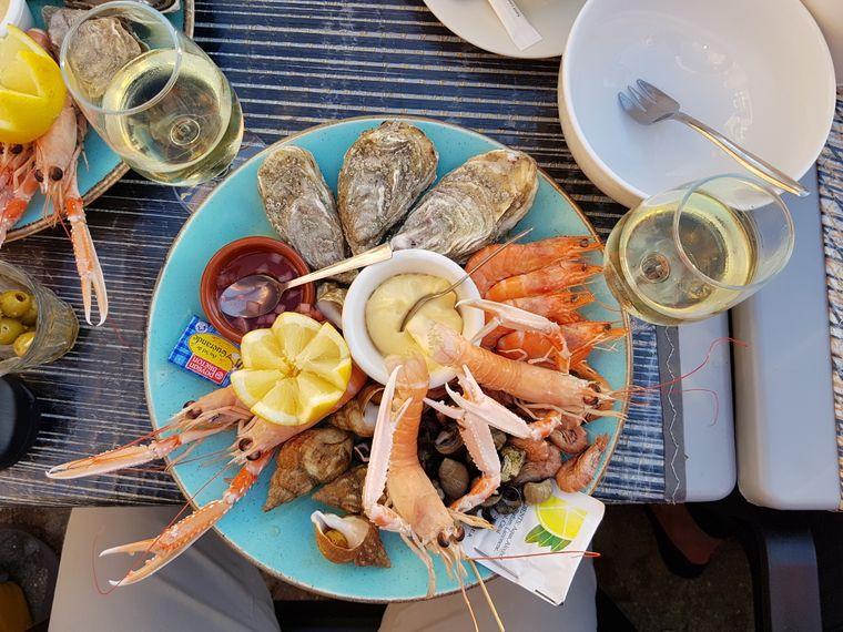 Zu den Spezialitäten der Bretagne gehören auch frische Meeresfrüchte.