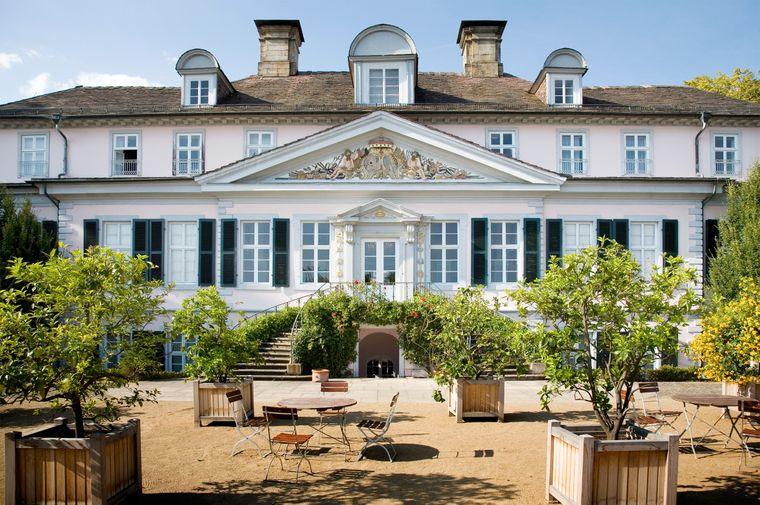 Noch heute erinnert das Schloss Bad Pyrmont an die Sommerresidenz von damals.