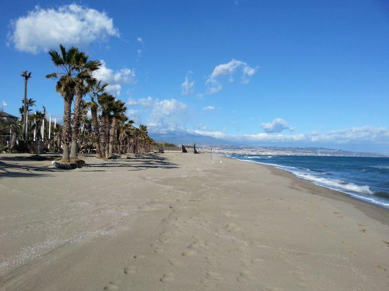 Sandstrand südlich von Catania.