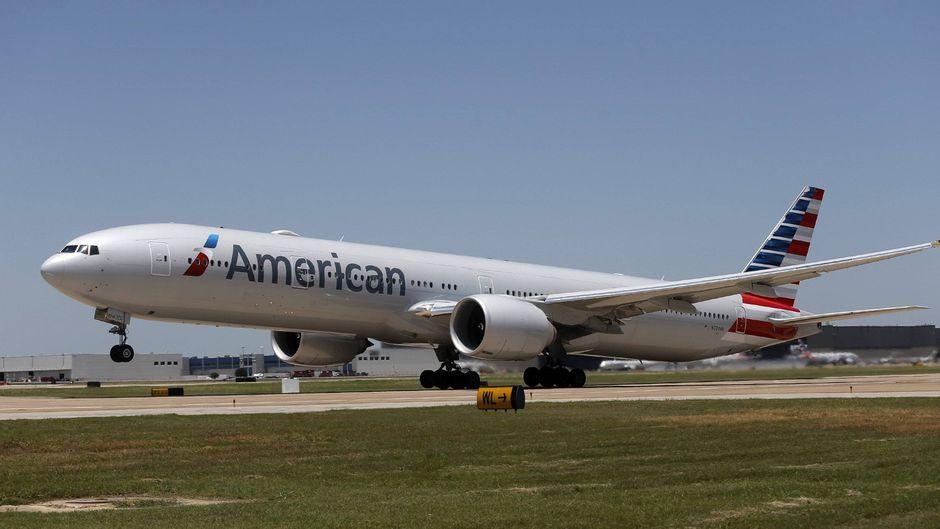 Ein Gepäckarbeiter ist in einer Boeing im Gepäckraum eingeschlafen und in der American-Airlines-Maschine quer durch die USA geflogen. (Symbolfoto)