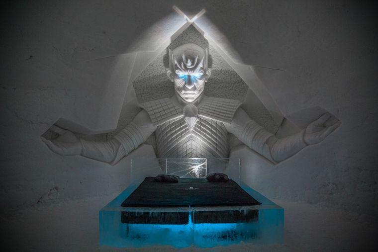 """Der Nachtkönig ist der Anführer der Weißen Wanderer bei """"Game of Thrones"""". Im Eishotel wacht er über deine Träume."""