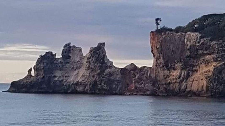 Statt eines Felsenfensters nur noch ein klaffendes Loch: Die Felsformation Punta Ventana ist zerstört.