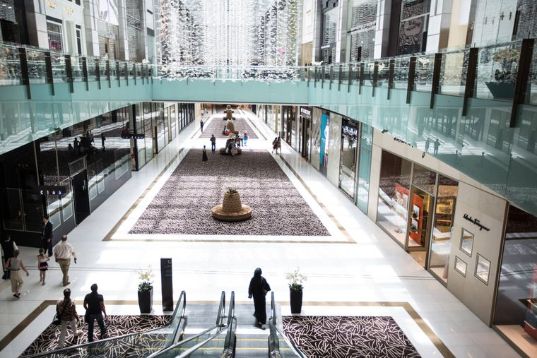 In der Dubai Mall gibt neben zahlreichen Shops auch viele weitere Attraktionen.