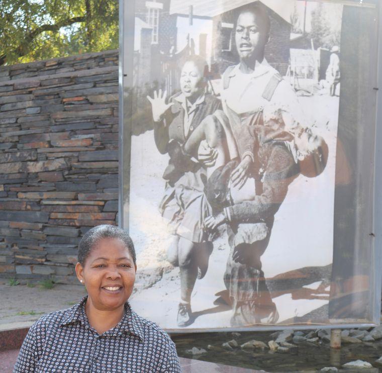 Antoinette Sithole wurde im Alter von 15 Jahren zur Ikone des Aufstands der Kinder von Soweto.