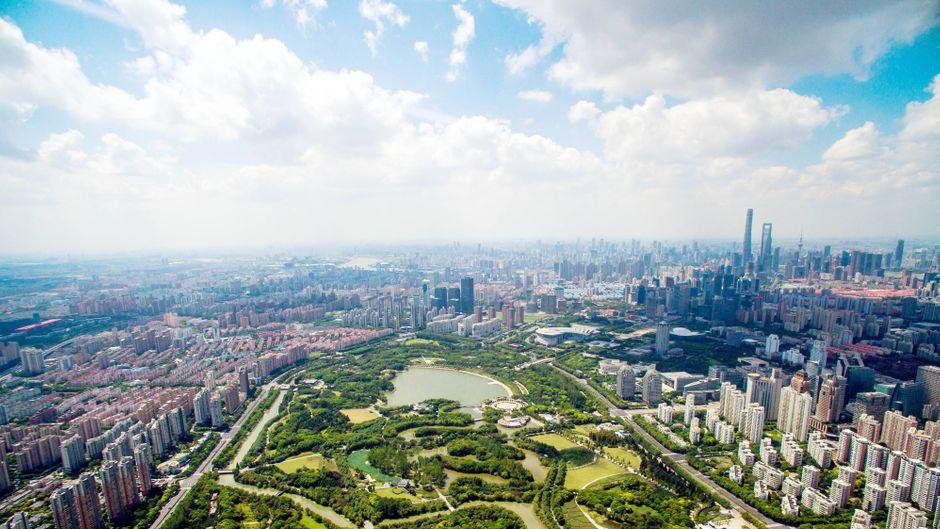 """Der """"Century Park"""" im Viertel Pudong."""