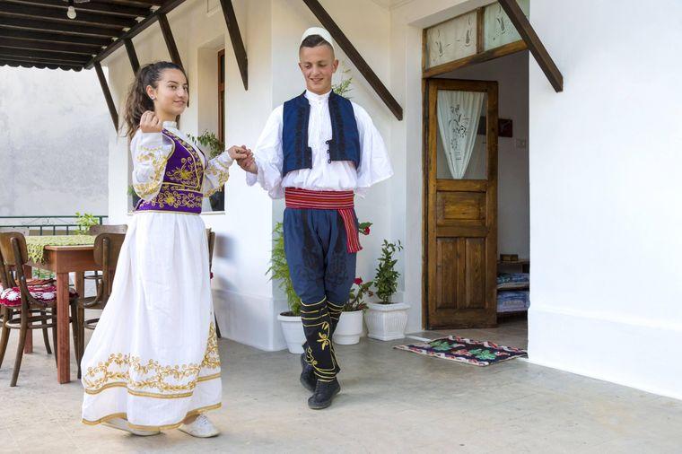 Albanischer Volkstanz.
