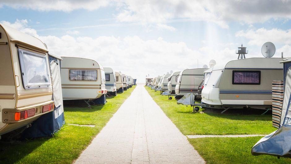 Ein Camping-Urlaub liegt 2021 im Trend.