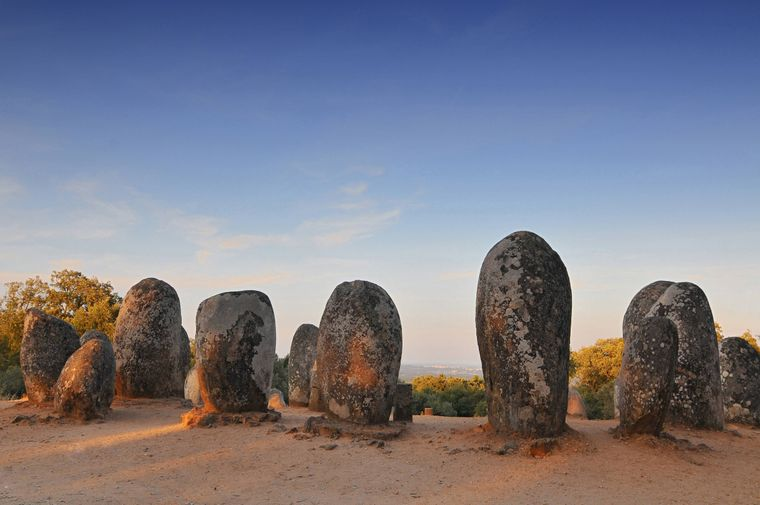 Cromlech von Dos Almendres in Portugal.