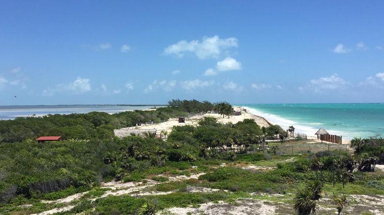 Von dem Hotel hat man einen wunderschönen Blick auf die Isla Blanca.