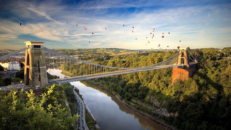 Die Clifton Suspension Bridge über den Avon ist das Wahrzeichen Bristols und bei schönem Wetter eines der beliebtesten Ziele der Einwohner.
