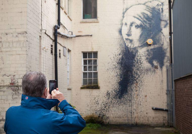Bristol ist die Heimatstadt des weltberühmten Street-Art-Künstlers Banksy. Einige seiner Werke sind noch in der Stadt zu sehen.