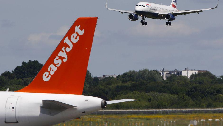 Die britischen Fluggesellschaften Easyjet und British Airways streichen Flüge wegen des Coronavirus.