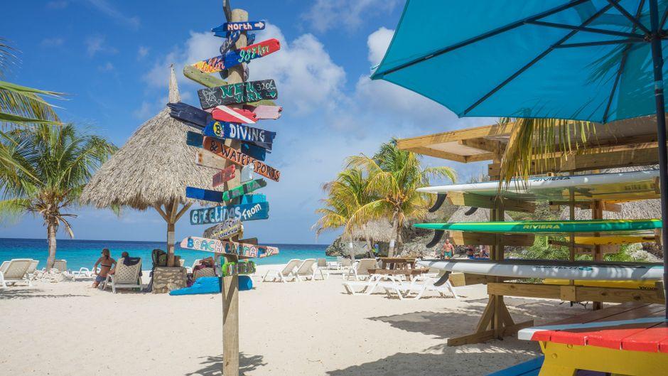 Sicherheitshinweise am Strand Playa Kenapa Chiki auf Curaçao