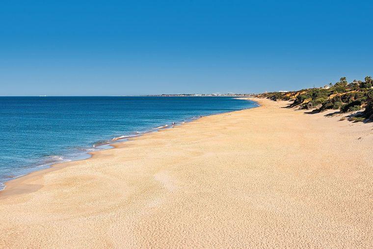 So schön ist die Playa de la Barrosa in Chiclana de la Frontera in Andalusien.