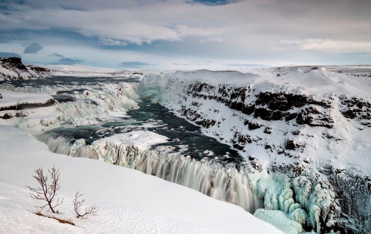 Der Gullfoss-Wasserfall im Süden Islands im Winter.