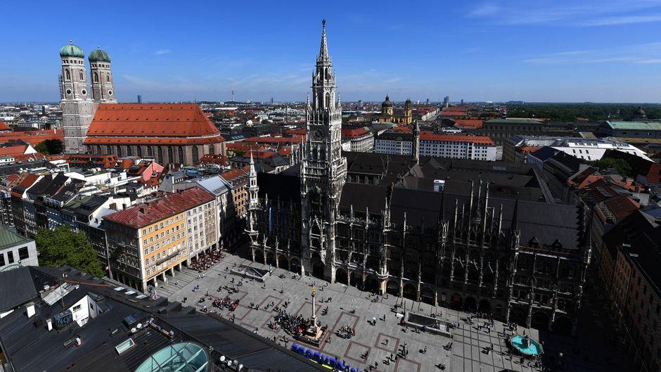 Der Marienplatz in München von oben.