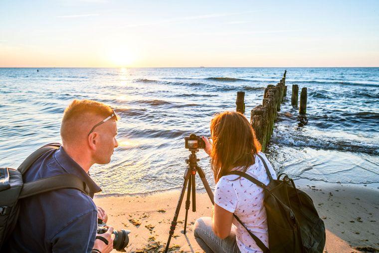 Warten auf den perfekten Sunset-Moment am Strand bei Graal-Müritz