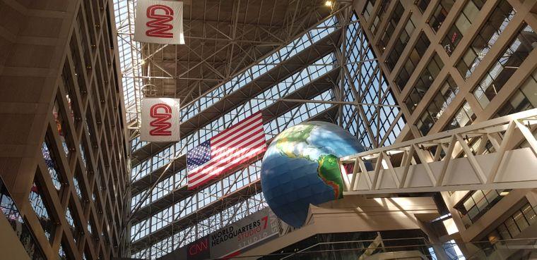 Zu den Attraktionen in Atlanta gehören auch die CNN-Studios, die Besucher bei einer Tour erkunden können.