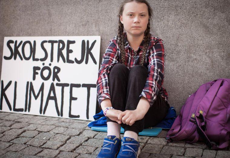"""""""Skolstrejk föGreta Thunbergs Schriftzug """"Skolstrejk för klimatet"""" bedeutet übersetzt: Schulstreik für das Klima."""