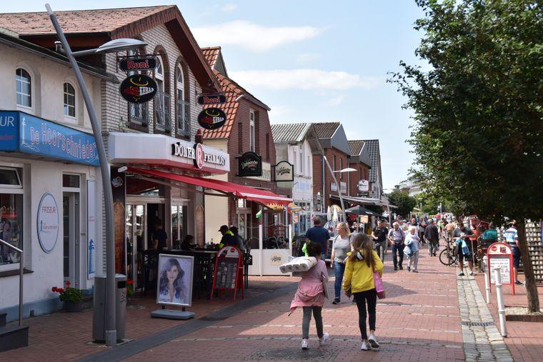 Die Büsumer Innenstadt bietet Shoppingmöglichkeiten für jeden Geschmack und jeden Geldbeutel.